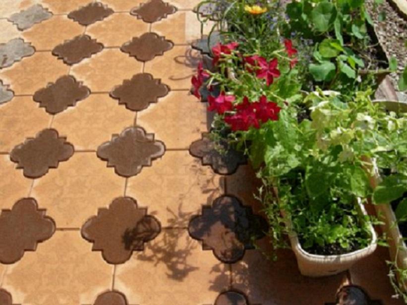 Тротуарная плитка, пример мощения из двух цветов, плитка сложной формы из двух цветов